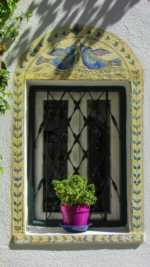 window-1558890_1920