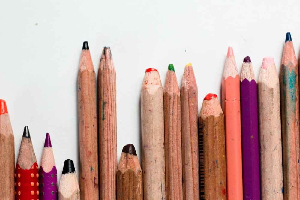 assorted color pencils